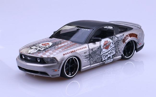 โมเดลรถ รถเหล็ก โมเดลรถเหล็ก โมเดลรถยนต์ Ford Mustang 2011 1