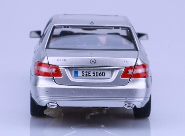 โมเดลรถ โมเดลรถเหล็ก โมเดลรถยนต์ Benz E 350 E-class silver 5