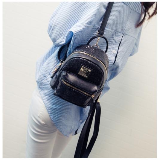 [ ลดราคา ] - กระเป๋าเป้แฟชั่น สไตล์เกาหลี สีดำปักเลื่อมวิ้งส์ๆ ใบเล็กจิ๋วๆ กระทัดรัด พกพาง่าย ดีไซน์สวยเก๋ไม่ซ้ำใคร
