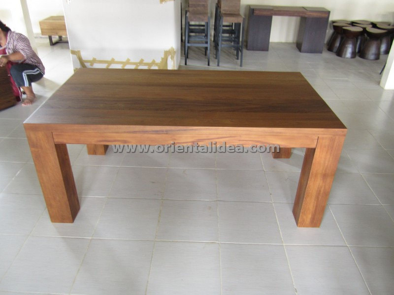 โต๊ะอาหารไม้สัก TBG-20T