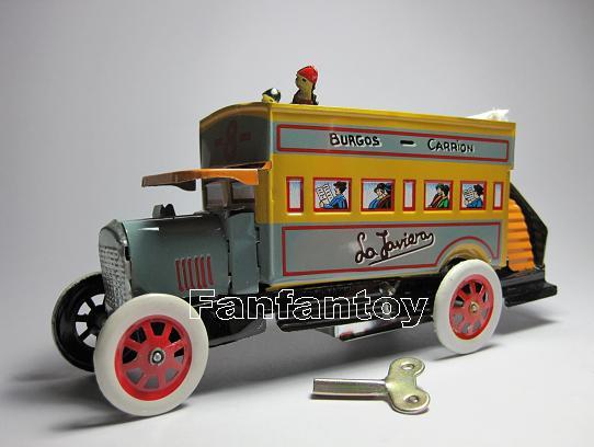 ของเล่นโบราณ รถบัส 2 ชั้น สีเหลืองไขลาน