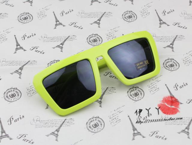 แว่นตากันแดดแฟชั่นเกาหลี กรอบสีเขียวอ่อน สี่เหลี่ยมคางหมู