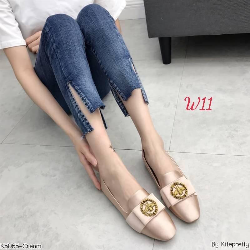 รองเท้าคัทชู ส้นแบน แต่งอะไหล่สวยหรูสไตล์แบรนด์ หนังนิ่ม ทรงสวย ใส่สบาย แมทสวยได้ทุกชุด (K5065)
