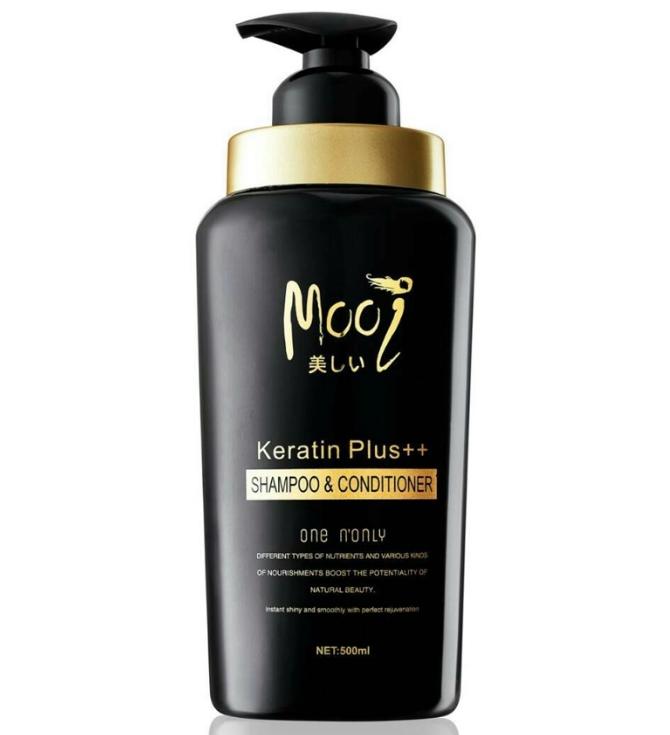 **พร้อมส่ง**Mooi Keratin Plus++ Shampoo & Conditioner 500 ml. โมอิ เคราติน พลัส แชมพู แอนด์ คอนดิชันเนอร์ ผลิตภัณฑ์ฟื้นฟู และบำรุงเส้นผม ให้กลับมามีสุขภาพดี เส้นผมจะมีน้ำหนัก และเปล่งประกายเงางาม เหมาะสำหรับผู้ที่มีปัญหาผมแห้งเสีย จากการทำสารเคมีต่างๆ ,