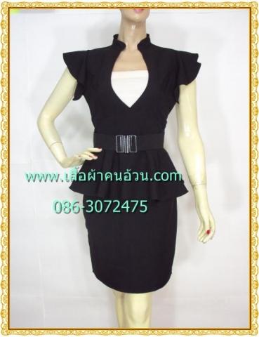 1246เสื้อผ้าคนอ้วน ชุดทำงานสีดำ คอจีนเว้าร่องอกโชว์ทรวดทรงที่ปราดเปรียว คล่องตัว มั่นใจ แต่งระบายหวานแขนและบริเวณเอวเสริมชิ้นลอยใต้เอวสวมเข็มขัด