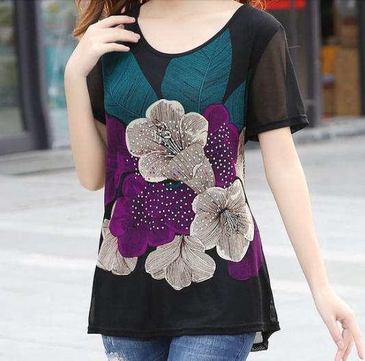 เสื้อผ้าแฟชั่นผู้หญิงพร้อมส่ง : เสื้อแฟชั่นสีม่วงแต่งลายดอกไม้ ปักผ้า สวยมากๆจ้า