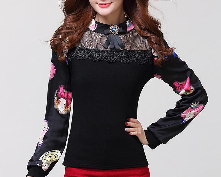 ((พร้อมส่ง)) เสื้อผ้าแฟชั่นผู้หญิง : เสื้อแฟชั่นสีดำ แต่งลูกไม้ช่วงบน แขนสีดำแต่งลายการ์ตูน น่ารัก น่ารักจ้า