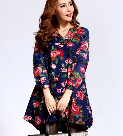 เสื้อผ้าแฟชั่นผู้หญิงพร้อมส่ง : เดรสสีน้ำเงิน แต่งลายดอกไม้สีสัน น่ารัก น่ารัก จ้า
