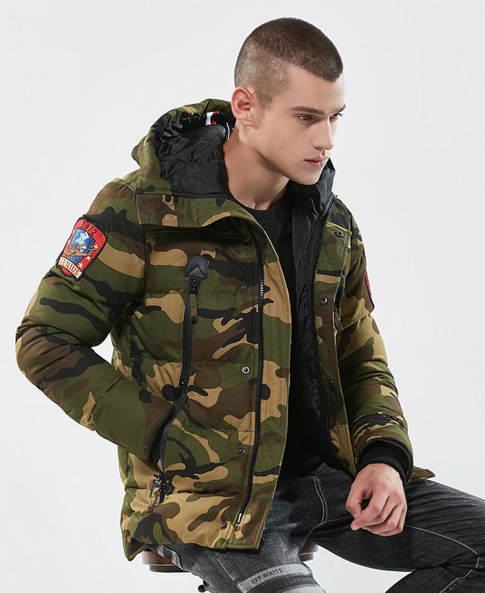เสื้อกันหนาวผู้ชาย เสื้อแจ็คเก็ตผู้ชายมีฮู้ด ลายพรางทหารสีเขียว บุหนา ติดอาร์มเท่ๆ