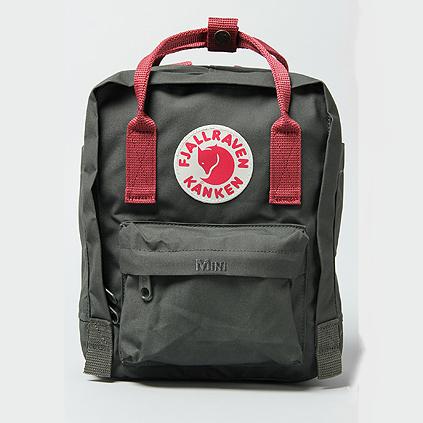 กระเป๋า Fjallraven Kanken Mini สี Forest Green&Ox Red สีเขียวสายสะพายแดง พร้อมส่ง