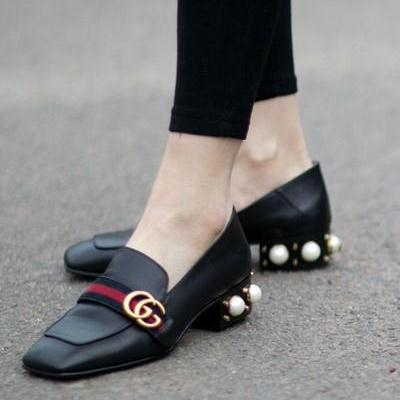 รองเท้าคัทชูแฟชั่นสีดำ Gucci Leather Mid-Heel Loafer (สีดำ )