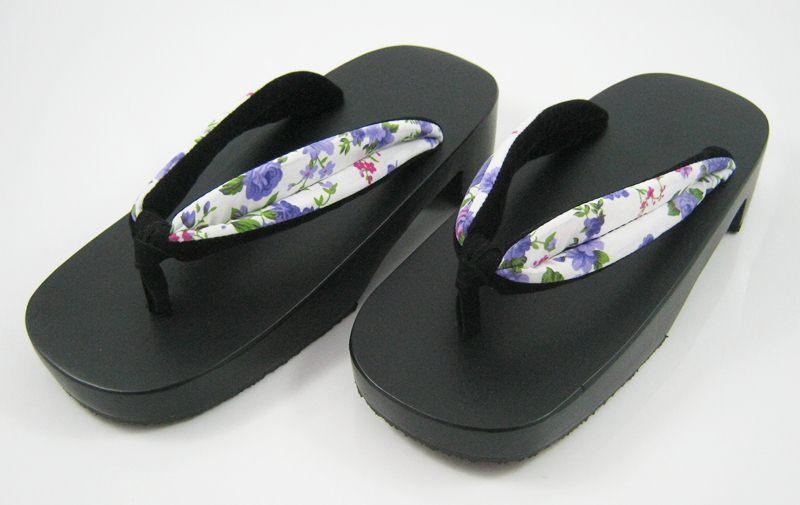 New Geta-08 รองเท้าเกี๊ยะทรงเตี๊ย ไม้สีดำ เชือกขาวดอกไม้ม่วง