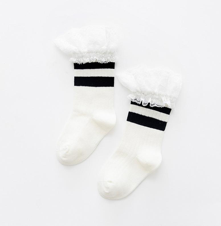 ถุงเท้ายาว สีดำ แพ็ค 10 คู่ ไซส์ ประมาณ 4-6 ปี