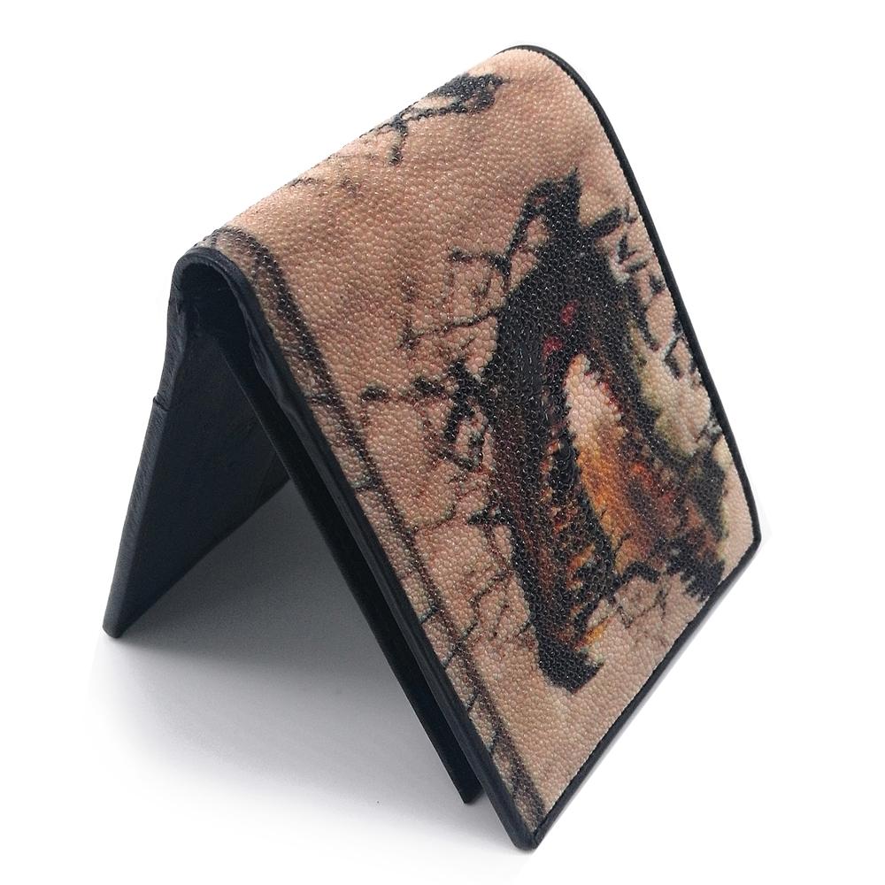 กระเป๋าสตางค์หนังปลากระเบนสองพับสั้นลายจระเข้สีน้ำตาล