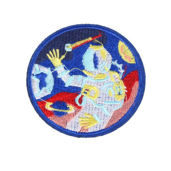 L0034 Colorful Astromaut 7.5x7.5cm