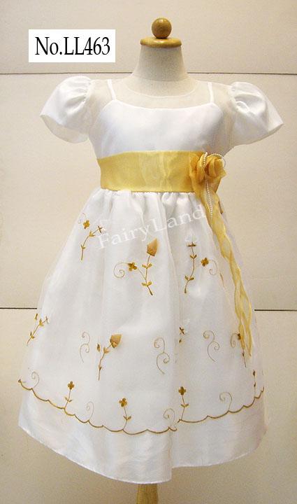 เสื้อผ้าเด็กหญิงปักลายทอง