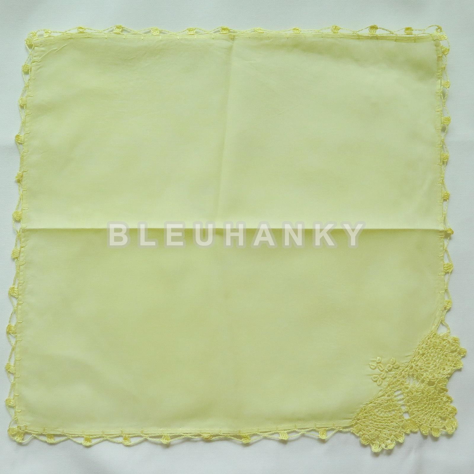 """ผ้าเช็ดหน้ามัสลินถักขอบสีเหลืองอ่อน 11"""""""