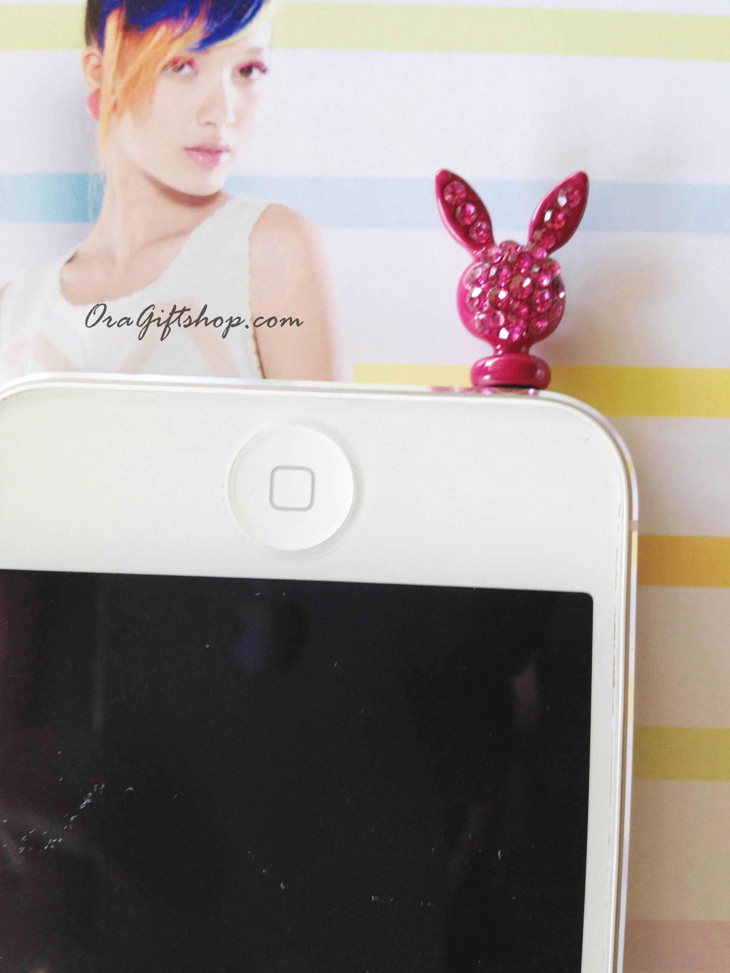จุกปิดกันฝ่น Iphone รูปกระต่ายสีแดง