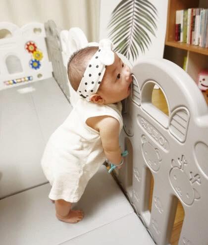 คอกกั้นเด็ก เฮนิม รุ่น Petit สีเทา-ขาว