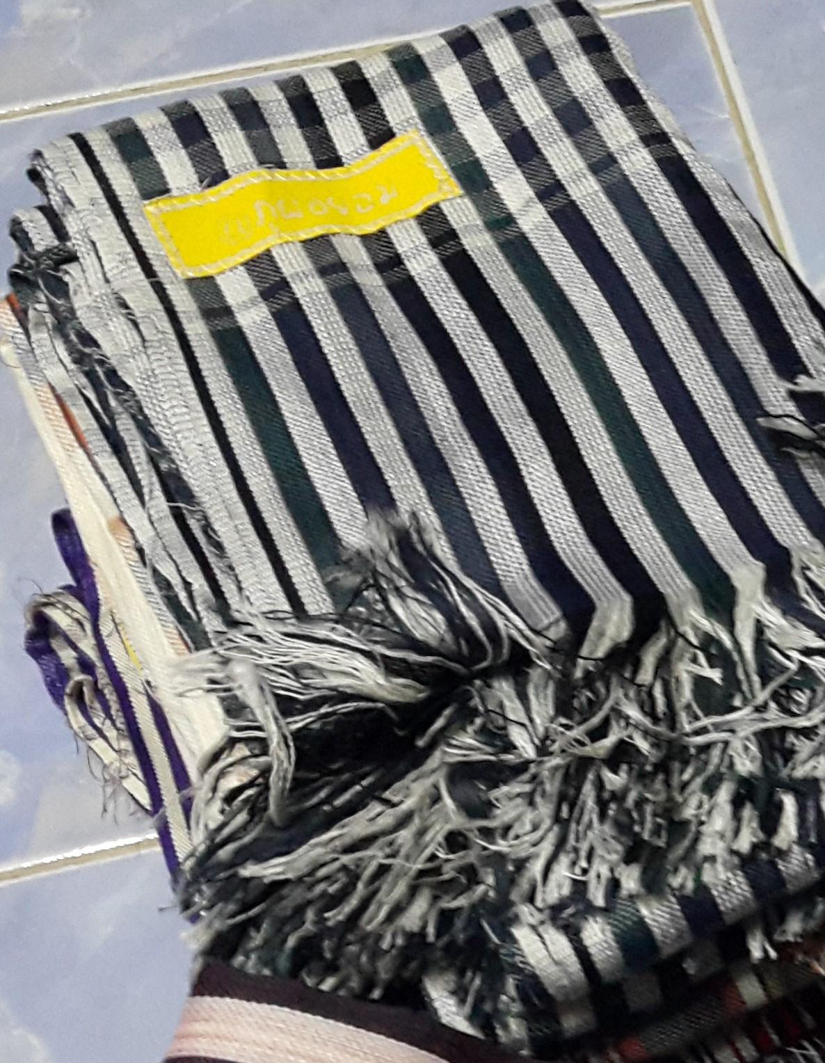 ผ้าพันคอ ลายขาวดำ