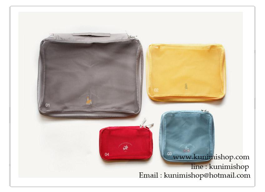 กระเป๋าจัดระเบียบ จัดเก็บเสื้อผ้าของใช้ต่างๆให้เป็นระเบียบ 1 เซต มี 4 ชิ้น งานสวยคุณภาพคะ กระเป๋าเปิด-ปิด ด้วยซิบ ด้านฝากระเป่าเป๋าตาข่าย ช่วยให้มองเห็นสิ่งของด้านในคะ ใน 1 เซต จะมีประเป๋าใบใหญ่ ที่สามารถใส่เสื้อผ้าได้มากมาย มีหูหิ้ว และอีก 3 ใบ จะมีขนาด แตกต่างกัน เพื่อง่ายต่อการแยกย่อยประเภทสิ่งของที่จะใส่ มีทั้ง กระเป่าใส่เครื่องสำอางค์ กระเป่าใส่ชุดชั้นใน แยกเป็นสีๆคะ ช่วยให้การจัดกระเป๋าไม่ใช้เรื่องยุ่งยากอีกต่อไปคะ ง่ายทั้งเก็บของเข้าและเก็บของออกคะ ด้านล้างฐานกระเป๋าเนื้อผ้ากันละอองน้ำคะ ขนาด XL : 48 x 36 x 11 cm. L : 36 x 26 x 11 cm. M : 22 x 22 x 11 cm. S : 22 x 14 x 11 cm.