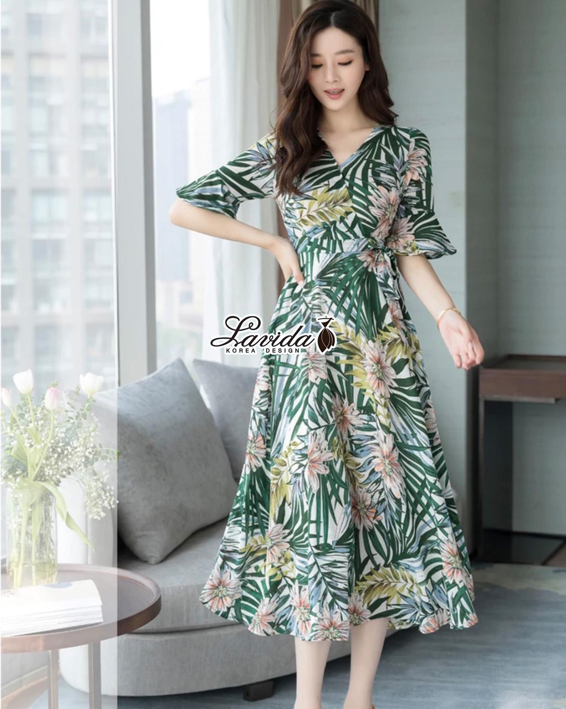 เดรสแฟชั่น Maxi Dress พิมพ์ลายใบไม้และดอกไม้โทนสีเขียวสดใส