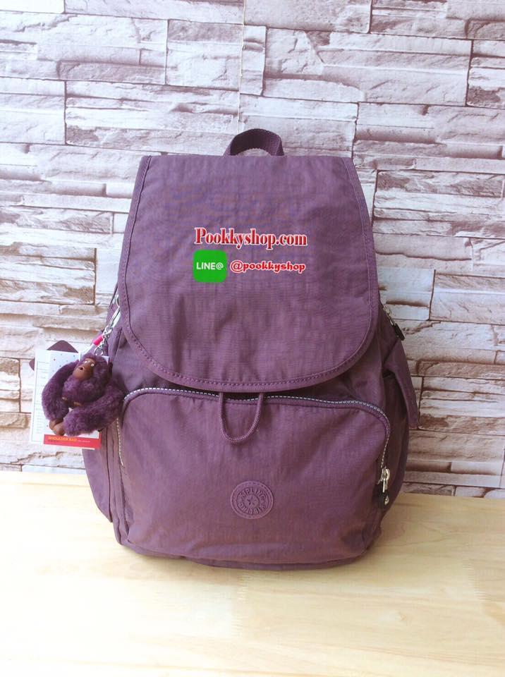 พร้อมส่ง Kipling KIPLING bag rucksack Kipling bag KIPLING K12147 CITY PACK B backpack พร้อมส่งที่ไทยค่ะ!!! กระเป๋าเป้ kipling OUTLET HONG KONG ที่สาวๆถามหามาเยอะมากๆค่ะ...... เป้แบบฝาเปิด/ปิด วัสดุกันนำ้ ด้านหน้ามีช่องซิปให้ใสของจุกจิก ตรงกลางเป้นช้องแบบห