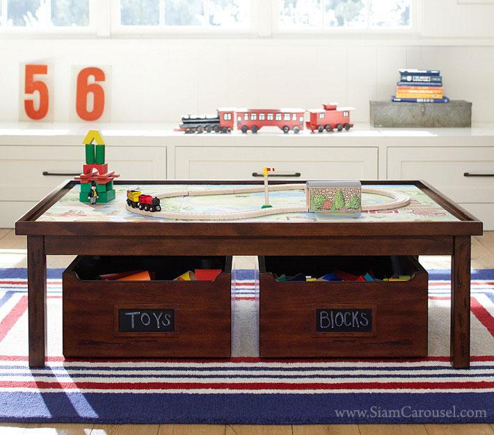 โต๊ะ พร้อมกล่องเก็บของเล่น 2 ใบ