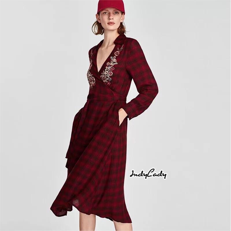 เดรสแฟชั่น Dress ZARA แขนยาว คอวีลายสก๊อตสีแดง