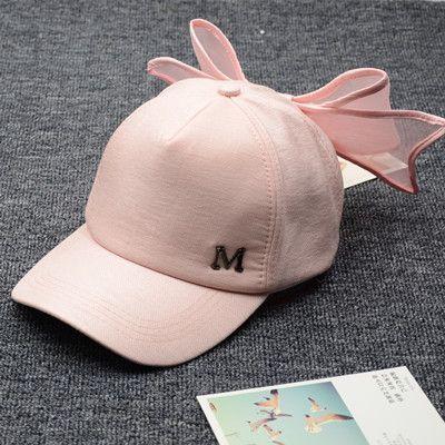 **พร้อมส่ง**หมวกแฟชั่นเกาหลี แต่งลาย M ดีไซน์โบว์ด้านหลัง ปรับระดับได้ มี2สี