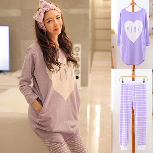 ++สินค้าพร้อมส่งค่ะ++ชุดแฟชั่นเซ็ทเกาหลี สไตล์ชุดนอน เสื้อแขนยาว คอกลม สกรีนหัวใจ Pink น่ารักมากค่ะ+กางเกงขาห้าส่วน ลายริ้วจั้มปลายขากว้าง – สีม่วง
