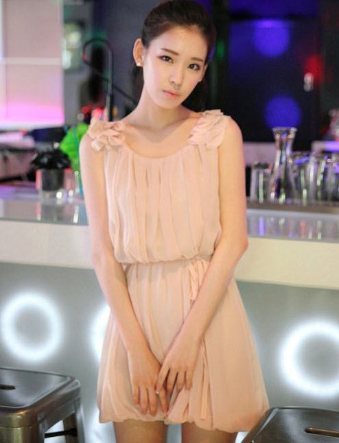 ชุดเดรสสั้น แฟชั่นเกาหลี ชุดเดรสหวานสีชมพูโอรส ผ้าชีฟองมีซับในทั้งตัว แต่งระบายที่ไหล่ทั้งสองข้าง ใส่เที่ยวสวยมากๆ (พร้อมส่ง)