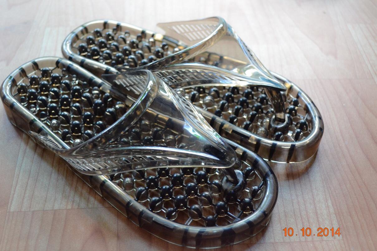 K013-BK **พร้อมส่ง** (ปลีก+ส่ง) รองเท้านวดสปา เพื่อสุขภาพ ปุ่มเล็ก (ใส) หูหนีบ สีดำ ส่งคู่ละ 80 บ.