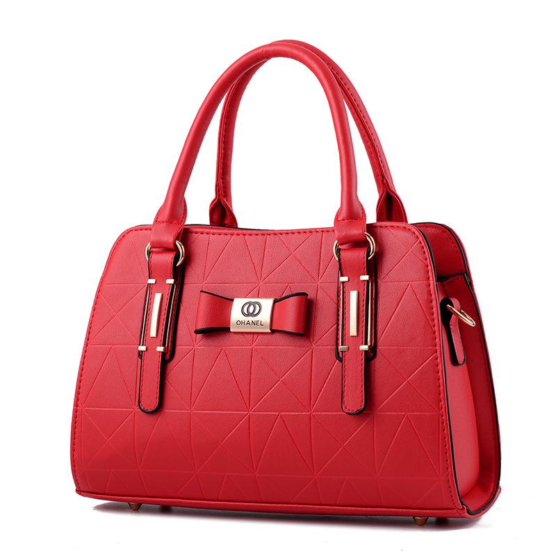 Pre-order กระเป๋าผู้หญิงถือและสะพายข้างแฟชั่นสไตล์ยุโรป เรียบหรู สไตล์ Chanel รหัส Yi-8885 สีแดง