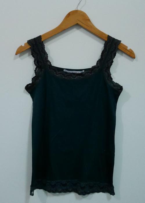 jp4084 เสื้อกล้ามผ้ายืดสีเขียวเข้ม แต่งผ้าลูกไม้ รอบอก 33-36 นิ้ว