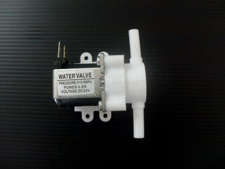 """โซลินอยด์วาล์วพลาสติก 1/4""""(2 หุน) 24VDC (NC) Plastic Solenoid Valve เดือยเสียบ"""