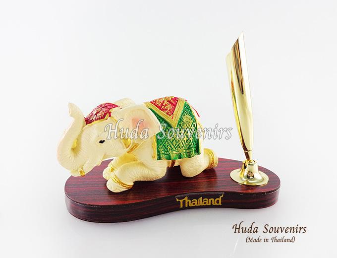 ของที่ระลึก ช้างทรงเครื่องเรซิ่น ที่เสียบปากกา รูปช้างหมอบ สินค้าพร้อมส่ง