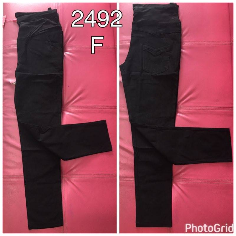 #กางเกงใส่ทำงานยี้ห้อMOM ขนาดฟรีไซต์ สีดำ มีผ้าผยุงหน้าท้อง งานดีเนื้อผ้าคุณภาพคะ