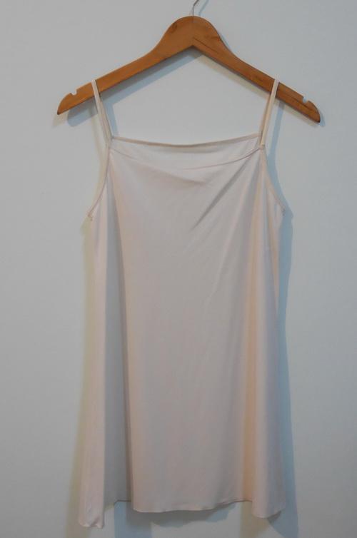 jp3790 ชุดนอน/ชุดซับใน ผ้ายืดสแปนเด็กซ์ สีครีม รอบอก 32-34 นิ้ว