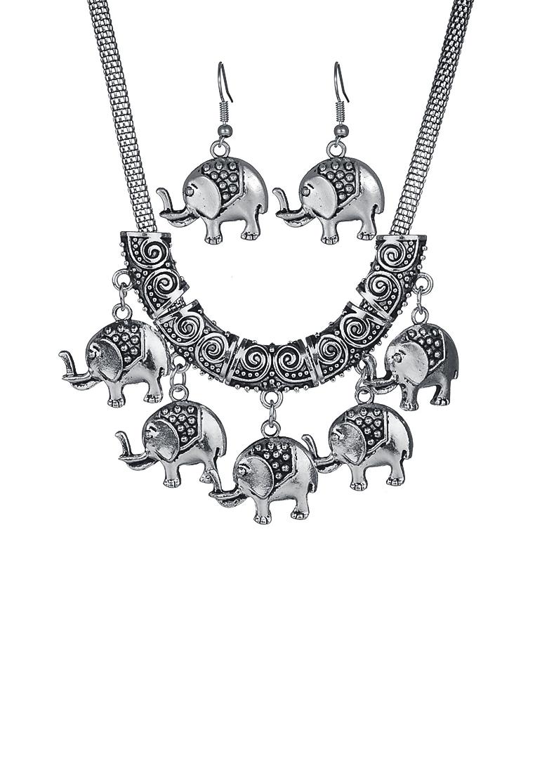 เซ็ทสร้อยคอและต่างหู Clavicle Elephant Pendant